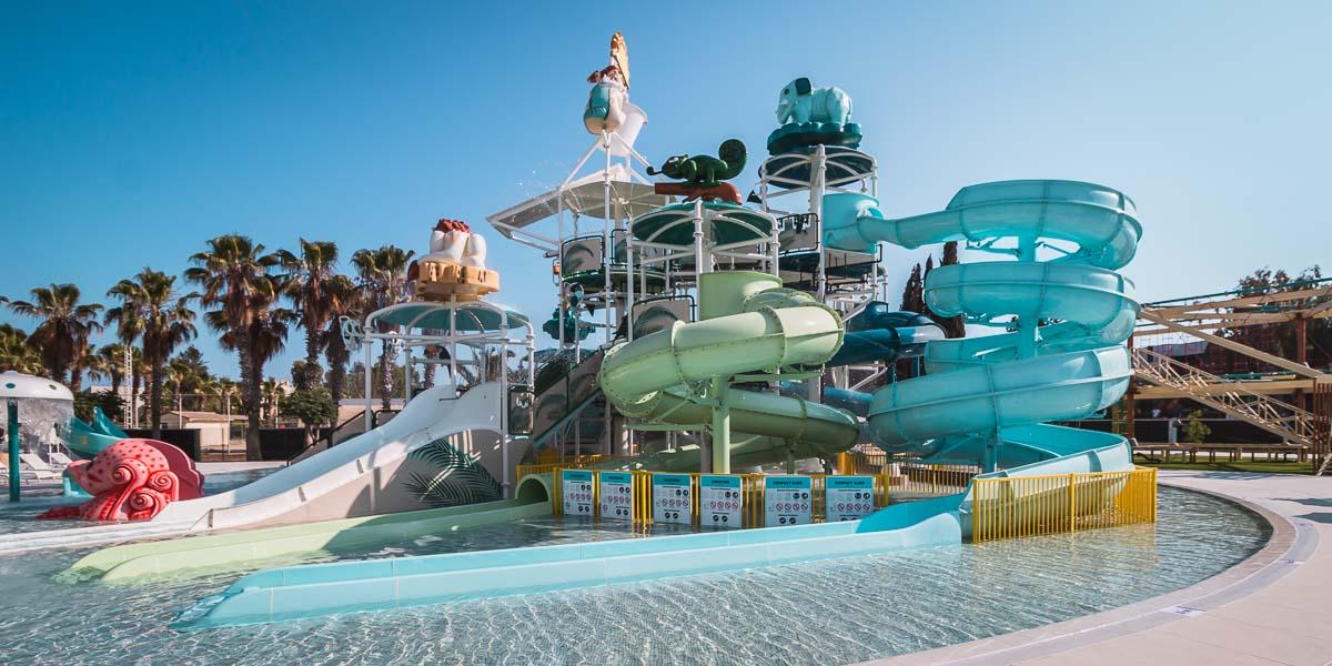 12 huge Aquapark Hotels in Antalya [with amazing Slides]
