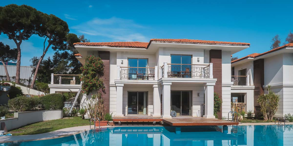 15 exclusive Hotels with Villas in Antalya