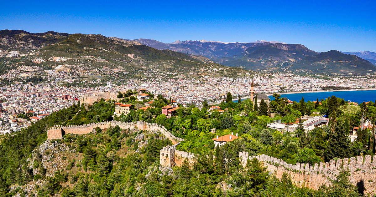 Visit Alanya Castle in Alanya in Turkey